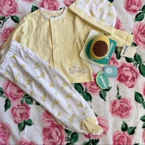 NWT New baby gift 🎁
